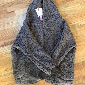 NWT LuLaRoe Grey Teddy Bear Jacket - S